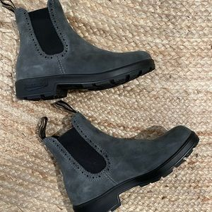 NEW Blundstone women's high top boots!